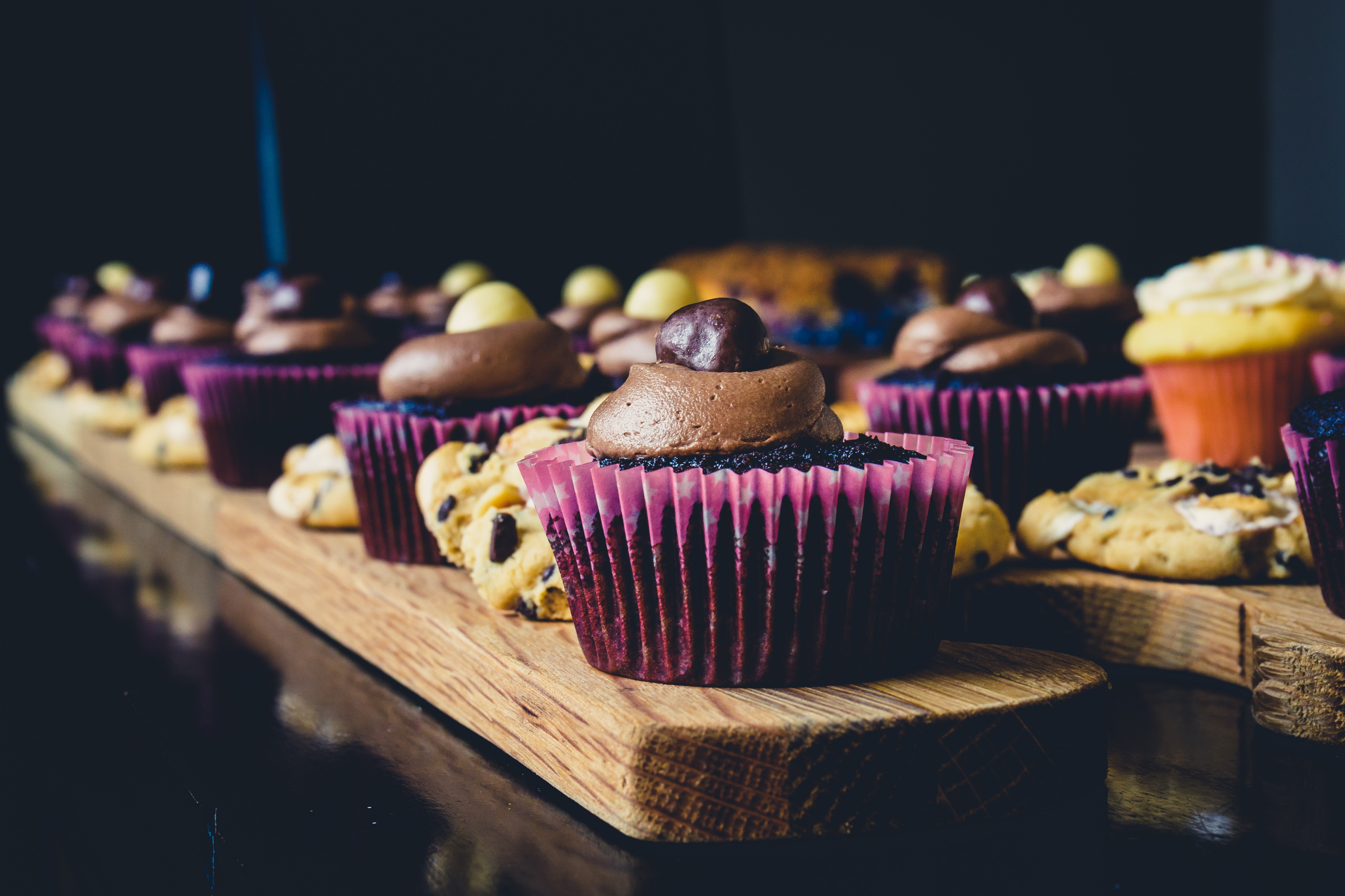 Cupcake and cookie free stock photo