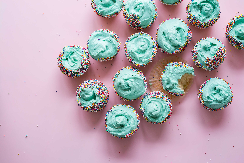 Perfect vanilla cupcakes free stock photo