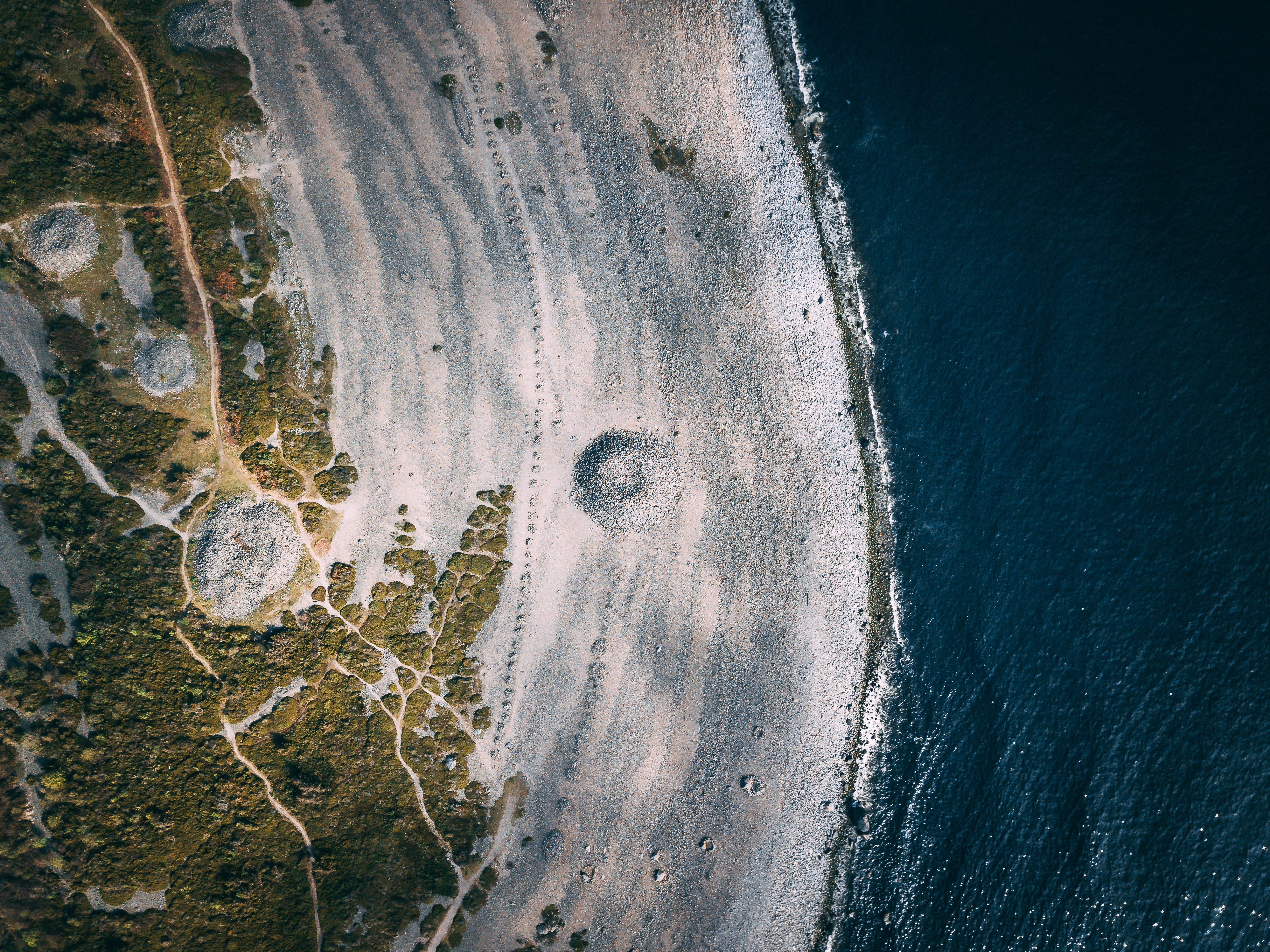 Aerial photography of an island at daytime