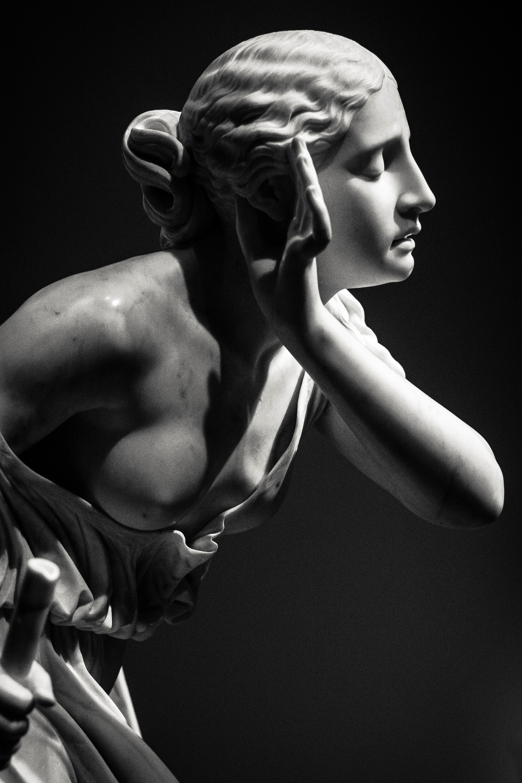 A woman statue